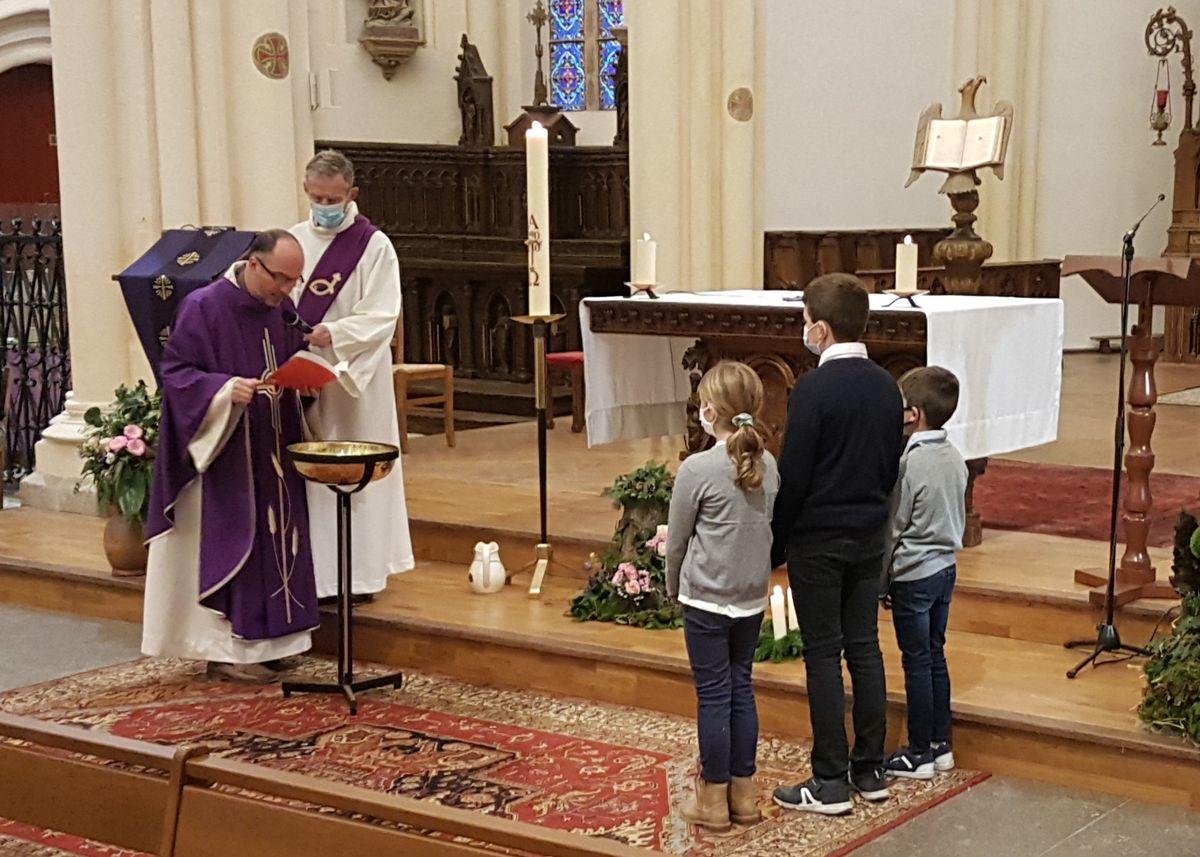 Le baptême des enfants en âge scolaire Paroisse de Ploubalay